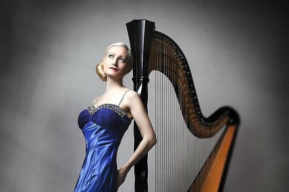 Wedding harpist