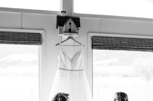 White dresses, Keelia Jo Photography