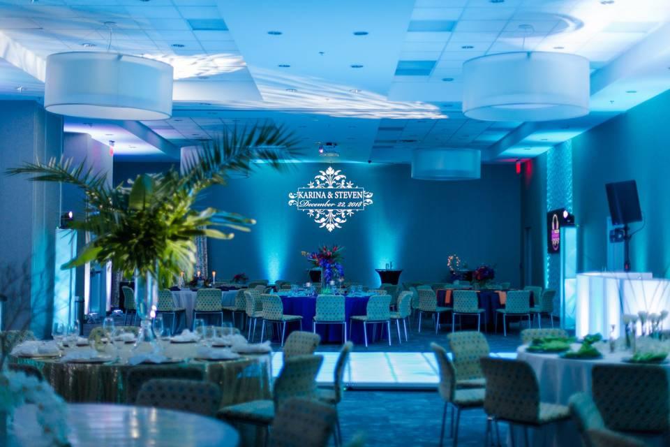 Weddings @ aloft in Great Room