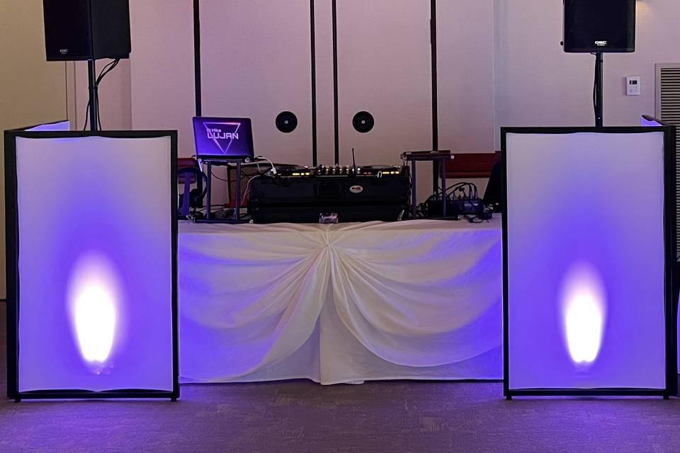 Unique DJ Facade Arrangement