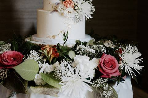 Cake table floral garland