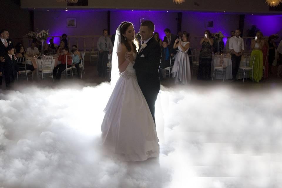 Cloud fist dance fog machine