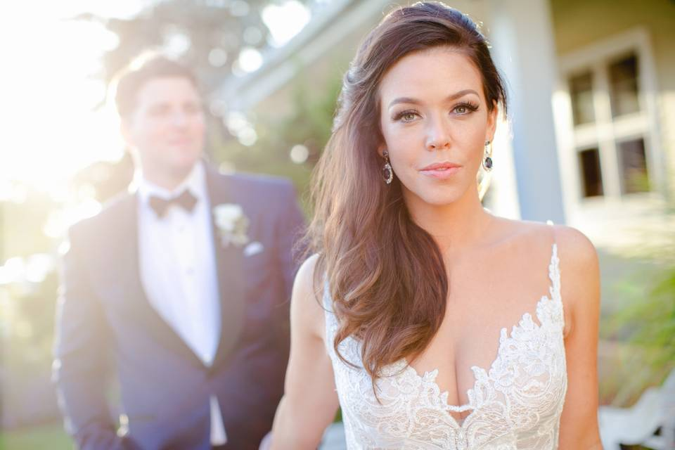 Sunshine and a happy couple - Vanessa Joy Photography
