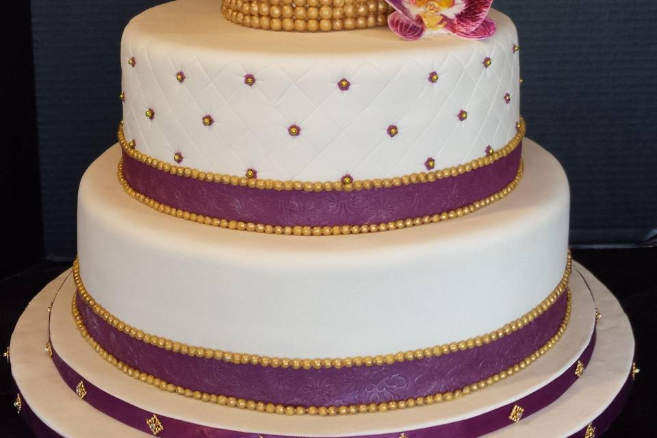 Sugar orchids wedding cake