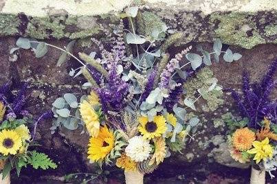 bouquets for October wedding
