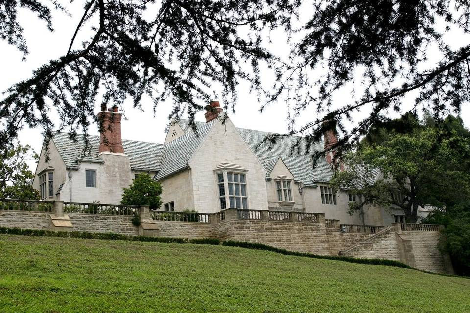 Greystone Mansion & Gardens