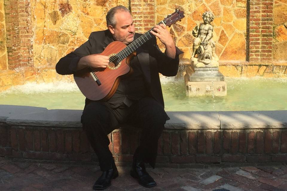 Victor Tarassov Spanish Guitarist