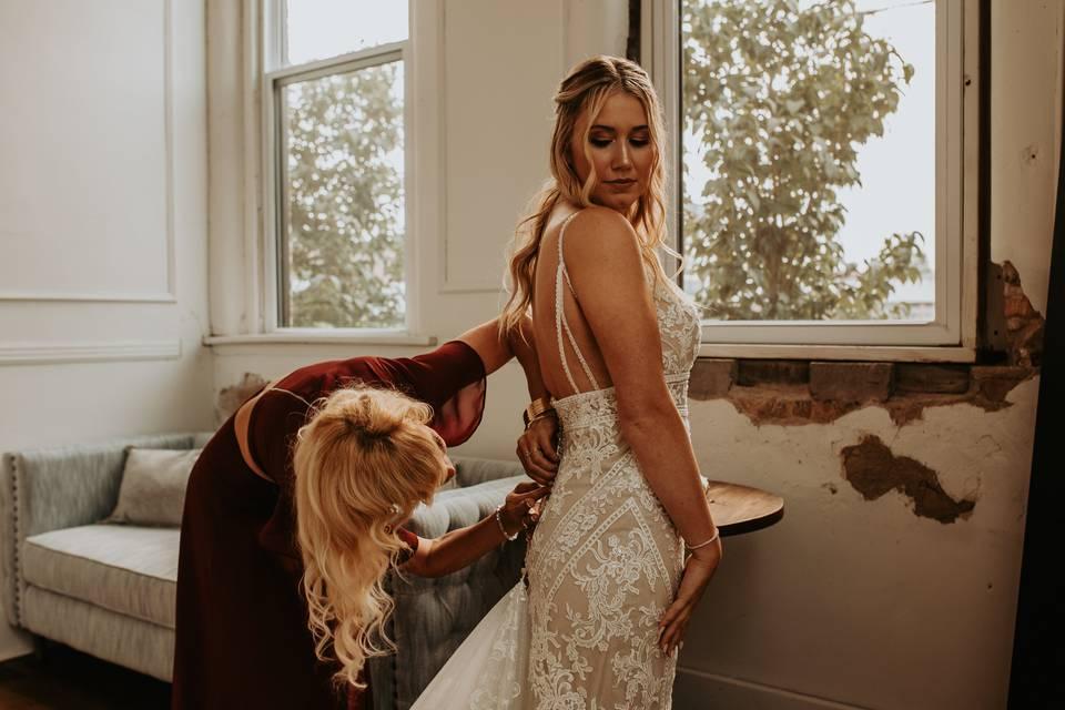 Zipping up dress