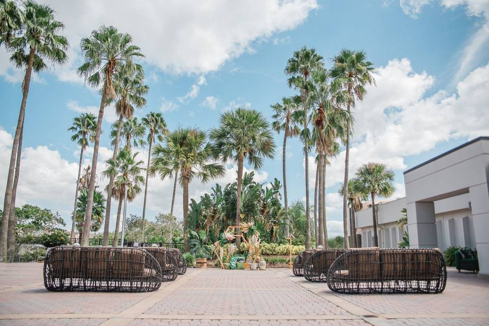 DoubleTree by Hilton at the Entrance to Universal Orlando