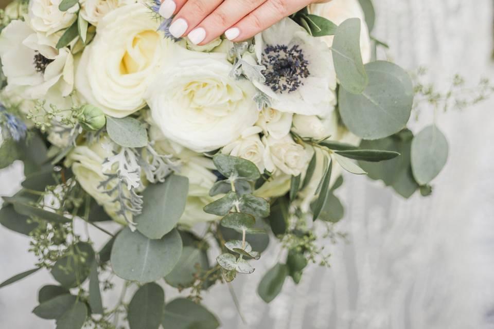 Bouquet featuring Anomie