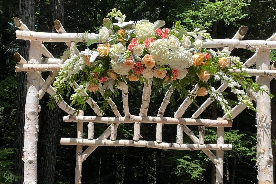 Arch swag arrangement