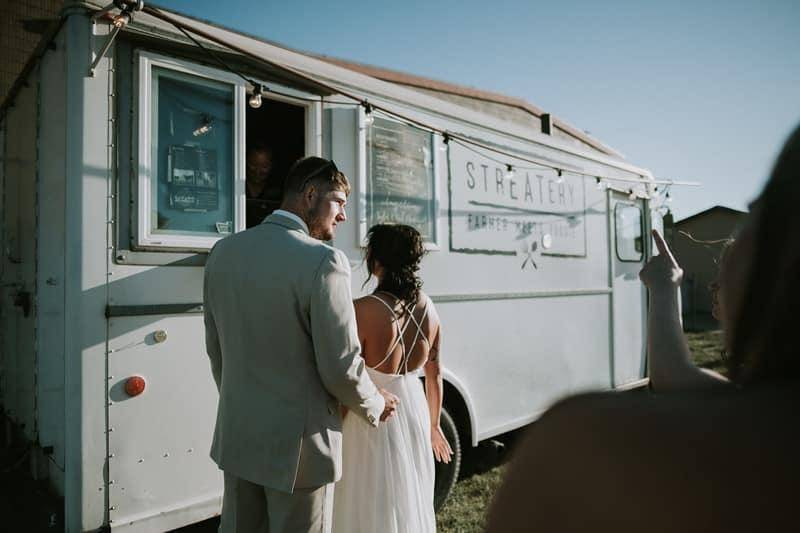 Food truck cuisine for contemporary couples