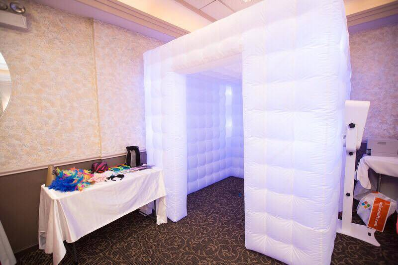 Led inflatable cube