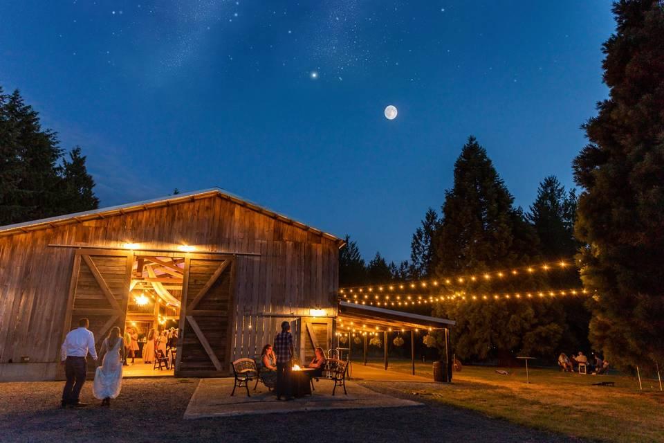 Moonlight barn reception