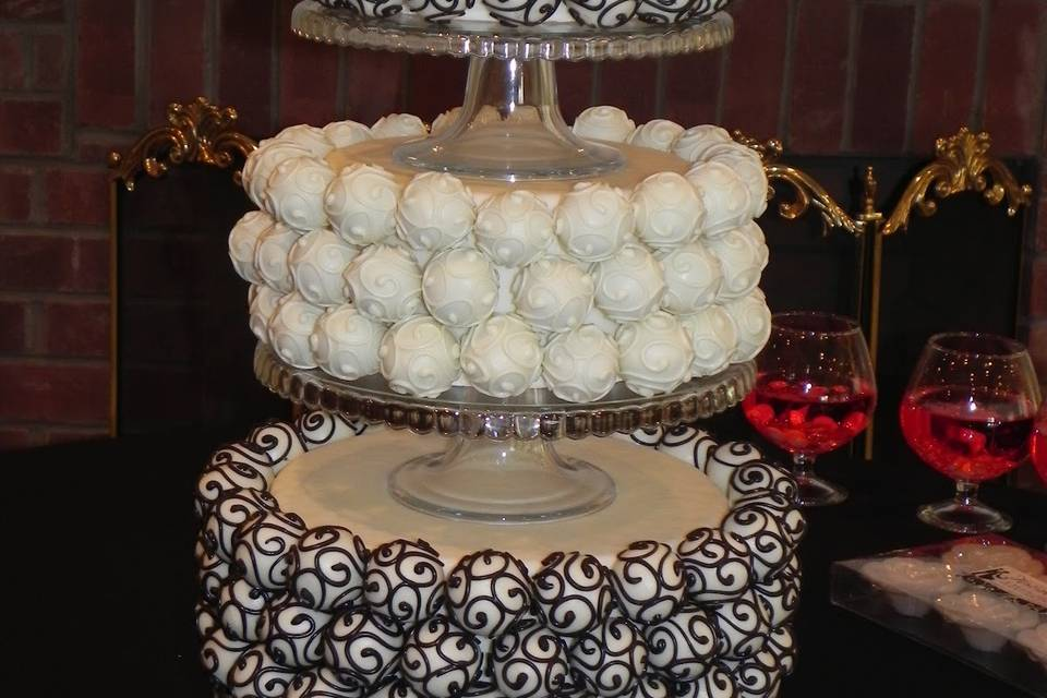 Creative Cake Pops by Marcy