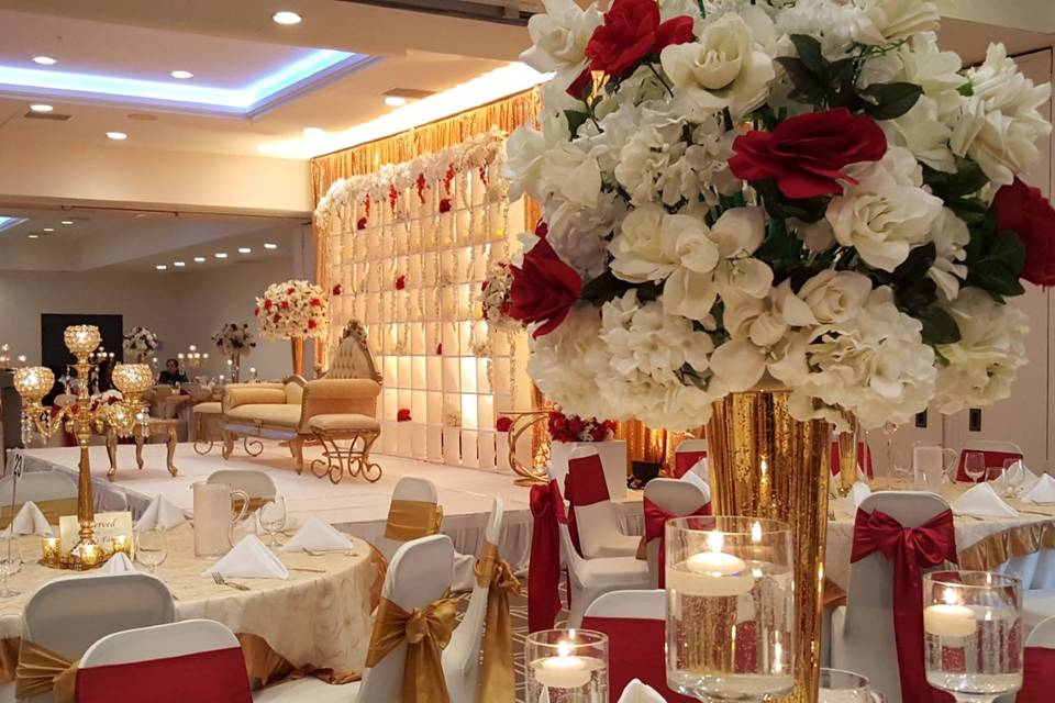 Wedding flowers and tables