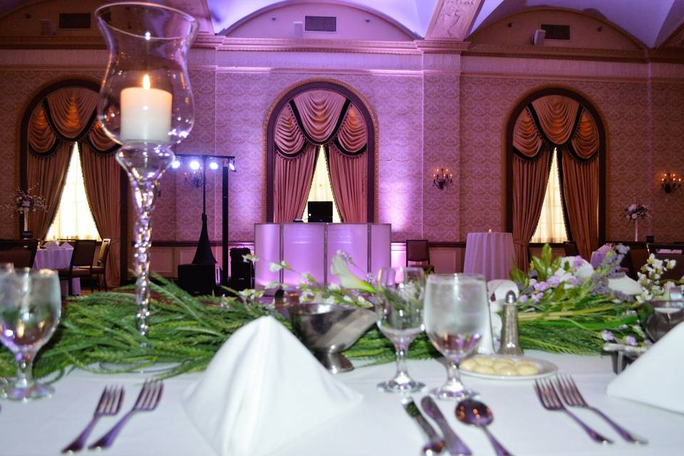 Table setting and reception hall uplights