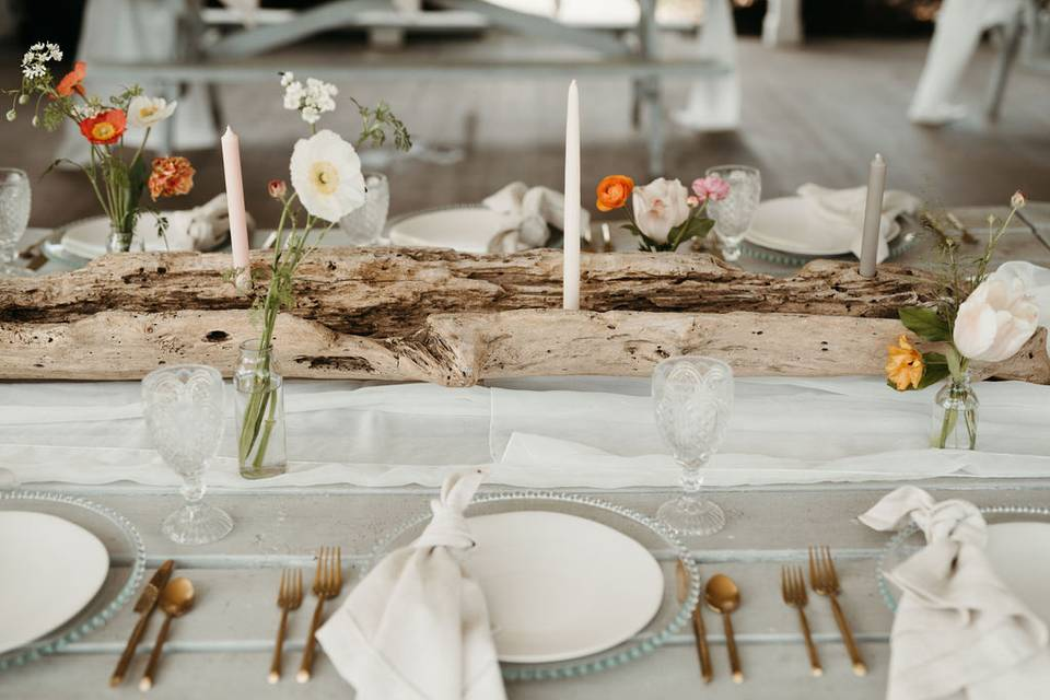 Classy Neutral Table Setting