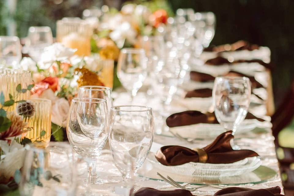 Guest tables with centerpieces