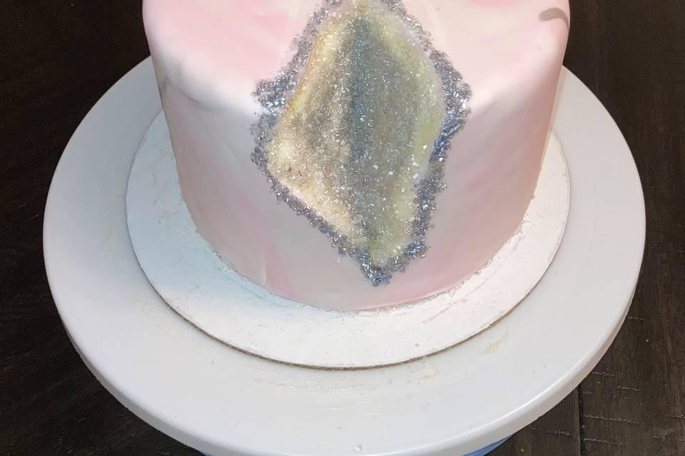 Pink and White Geode Kake