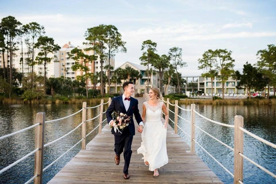 Couple on the walk bridge