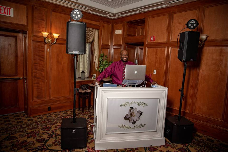 New for 2021 dj booth!!
