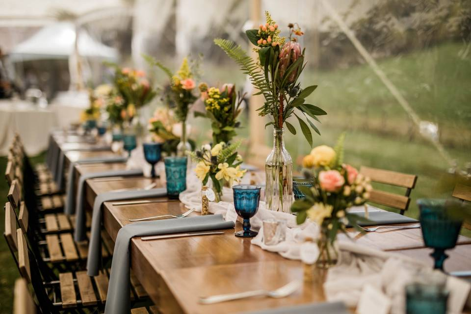 Wedding table with blue goblet