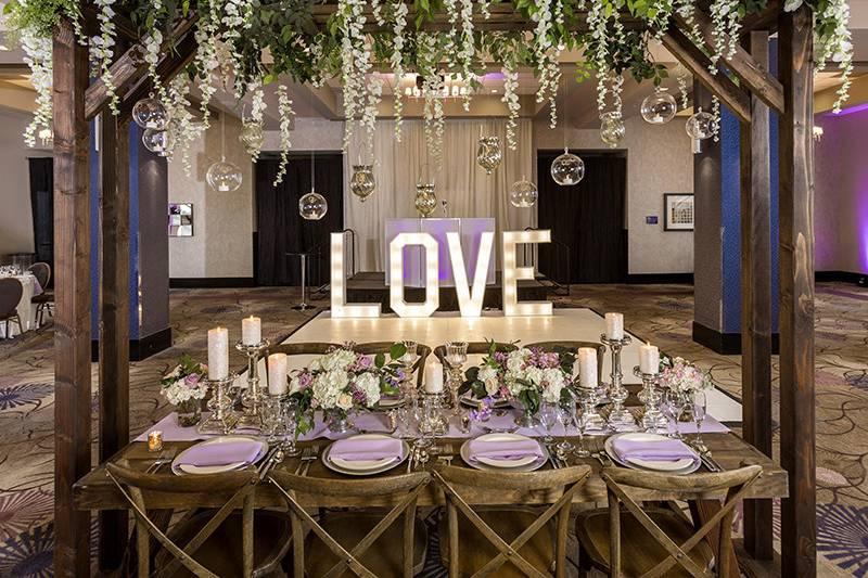 Wedding deccrs