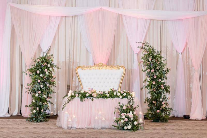 Linens and Flowers Design