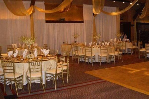 Karla DeLong Weddings and Events