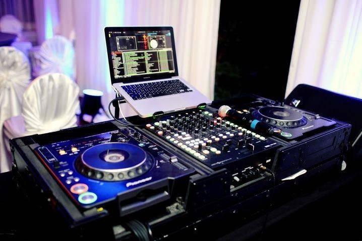 DJ JAMIE℠ DJ SERVICES