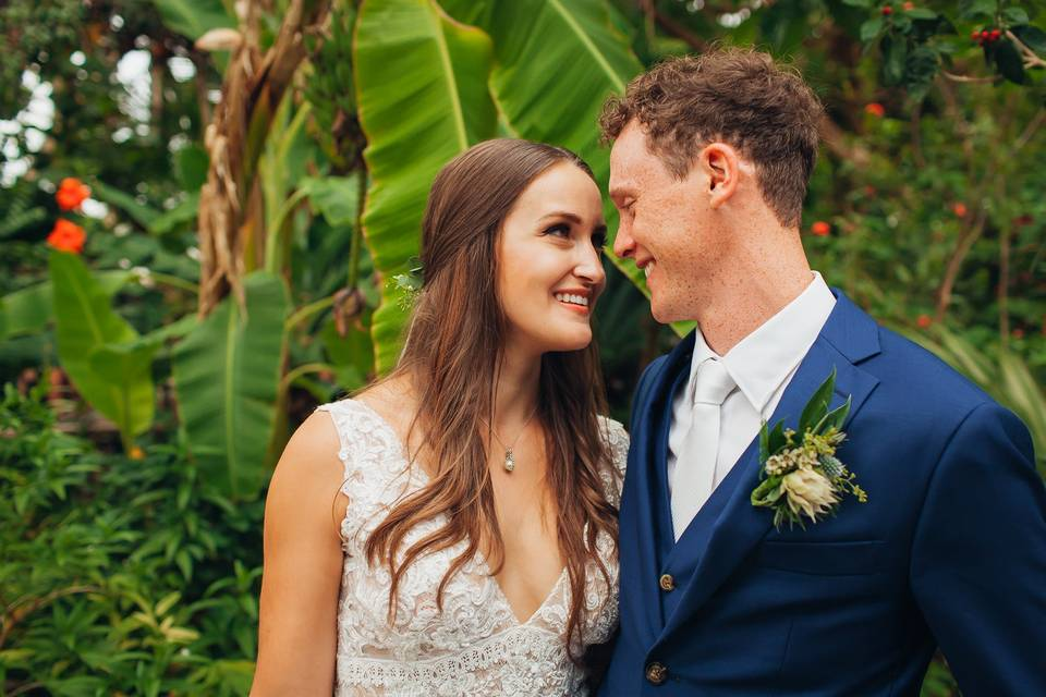 Newlyweds in love - LD Photography