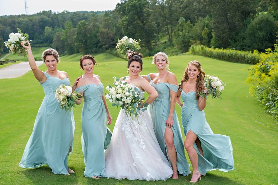 Bride and bridesmaids - My Heart's Desire Photography