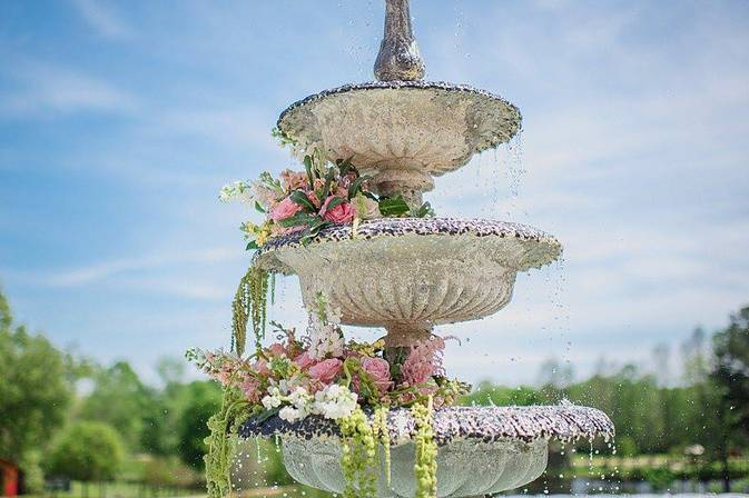 Fountain with roses