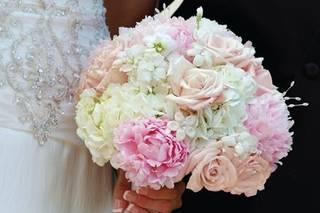 Magnolia Exquisite Florals and Event Decor