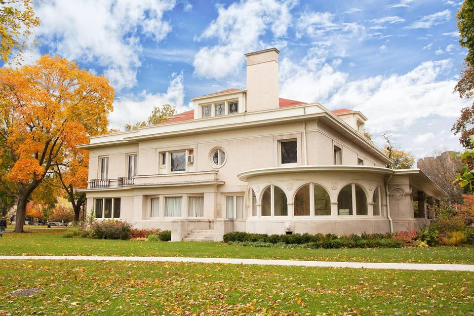 Historic Pleasant Home