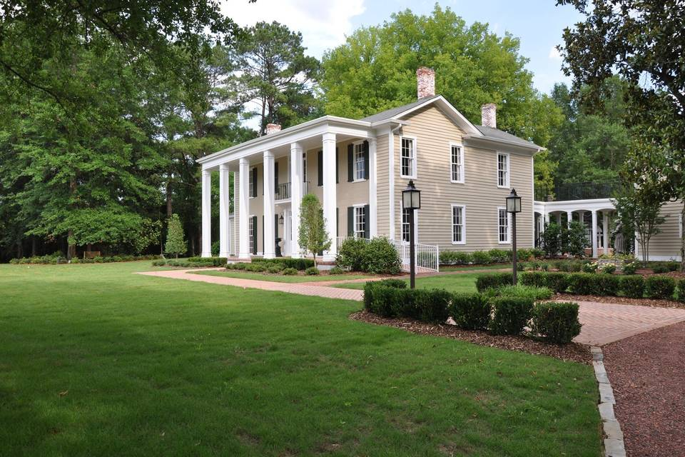 Exterior view of The OAKS