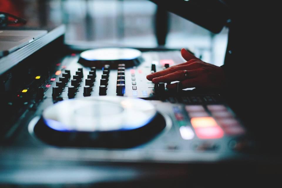 DJ Gerard - Sensational Sounds