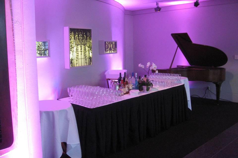Cocktail drinks station