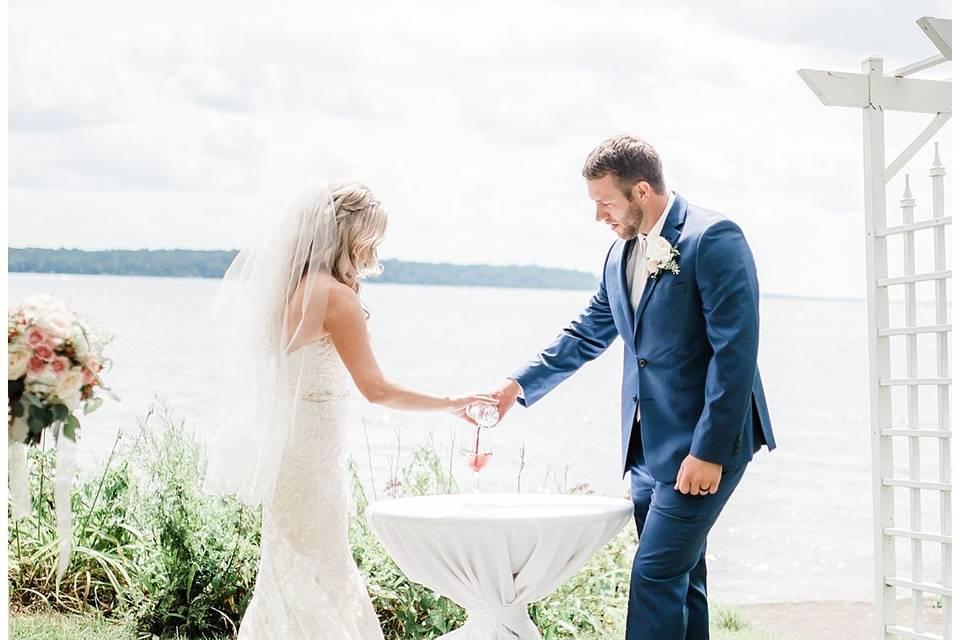 The newlyweds | Grey Rock Lawn - Meghan Lee Harris Photography