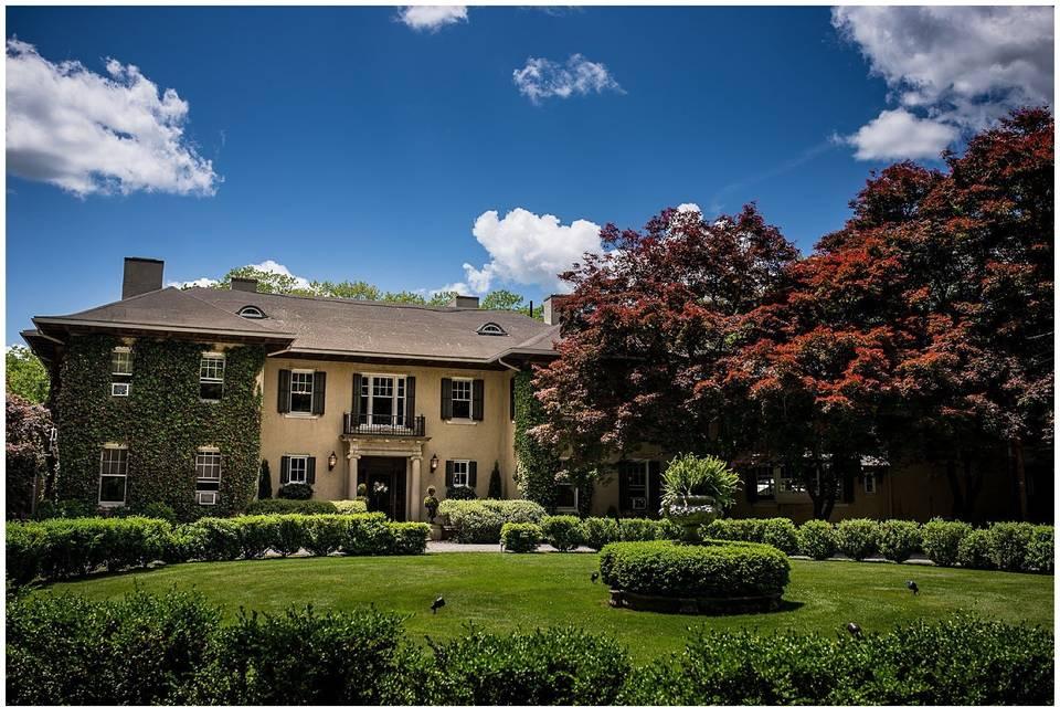 Lord Thompson Manor