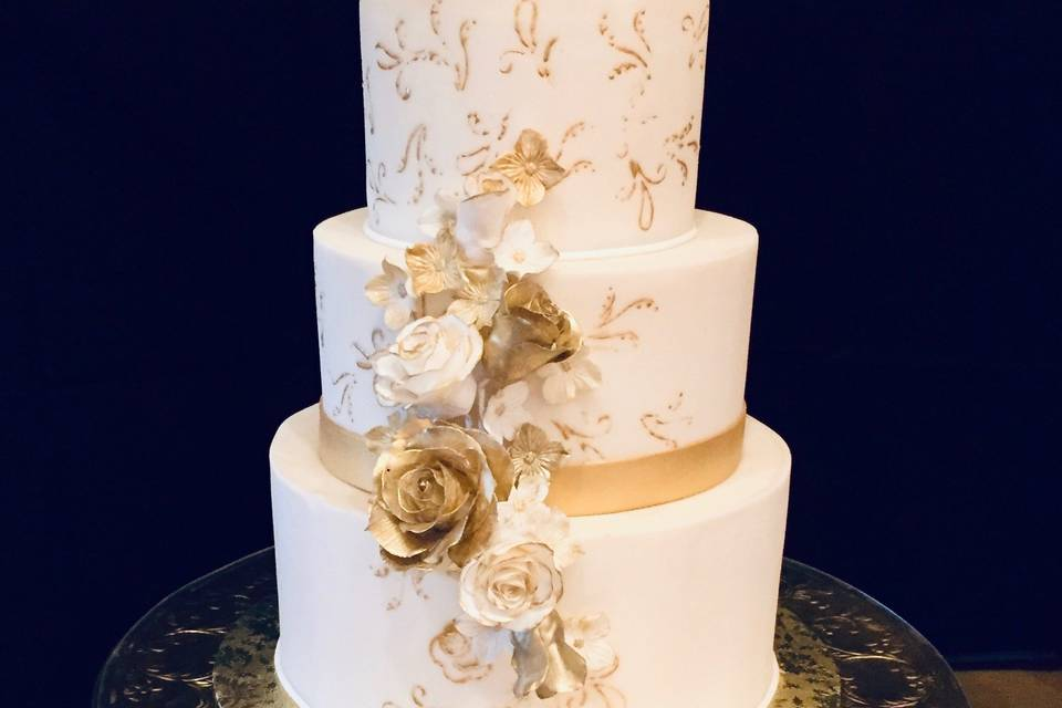 Gold's Wedding Cake