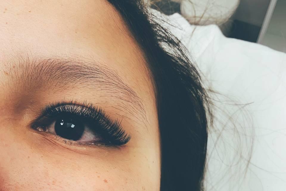 Full set volume lashes