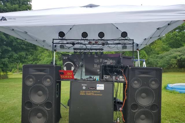 D&E DJ Services