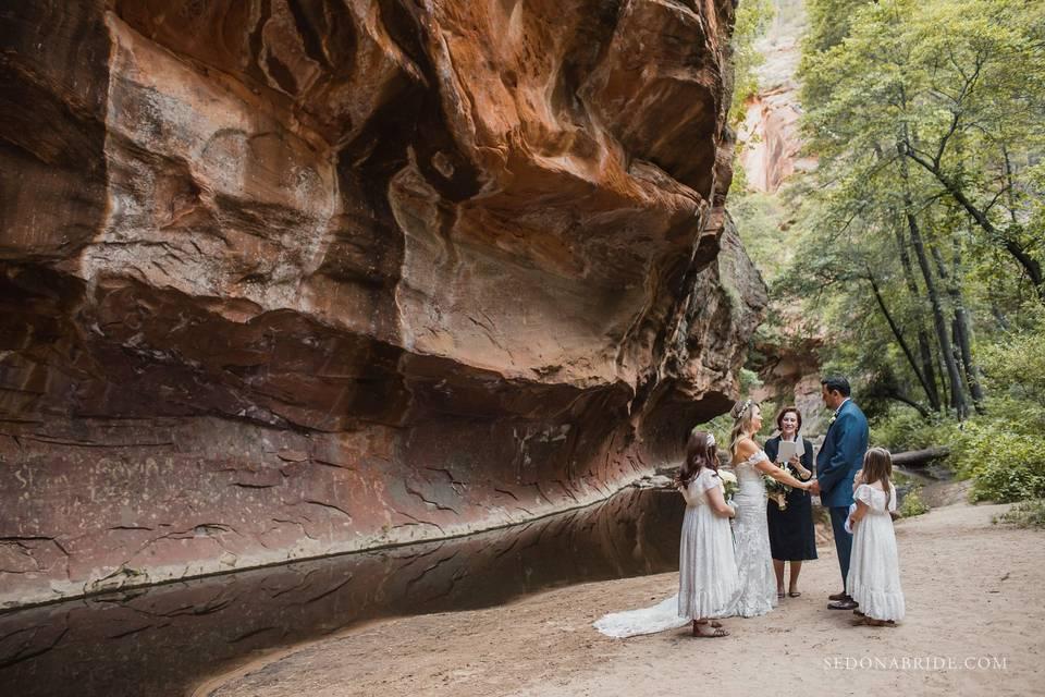 Sedona elopement by Katrina Wallace at Sedona Bride Photographers www.sedonabride.com