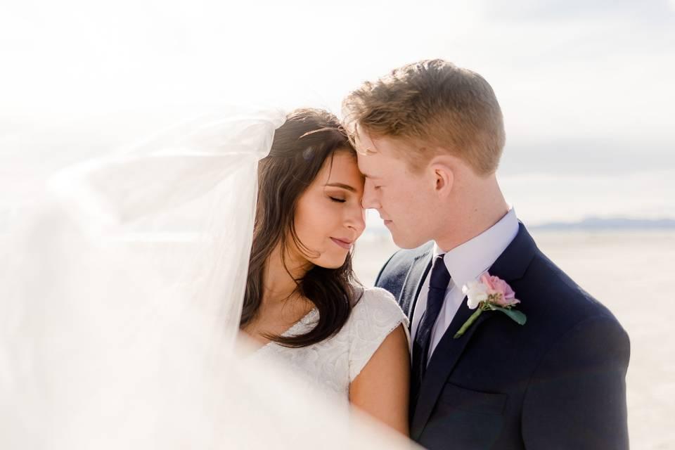 Windy veil kisses