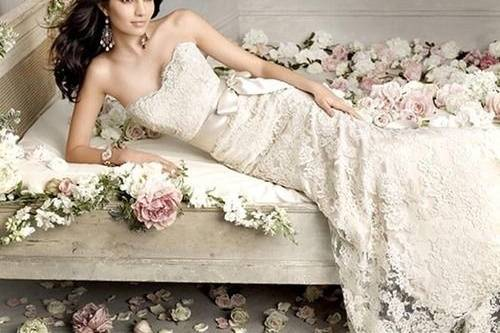 Ana's Bridal Boutique & Tuxedos