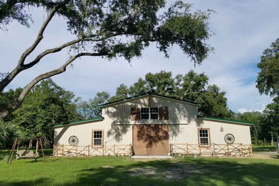 Bear Tree Barn Wedding and Event Center
