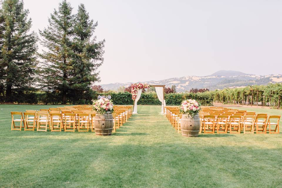Wooden chairs ceremony