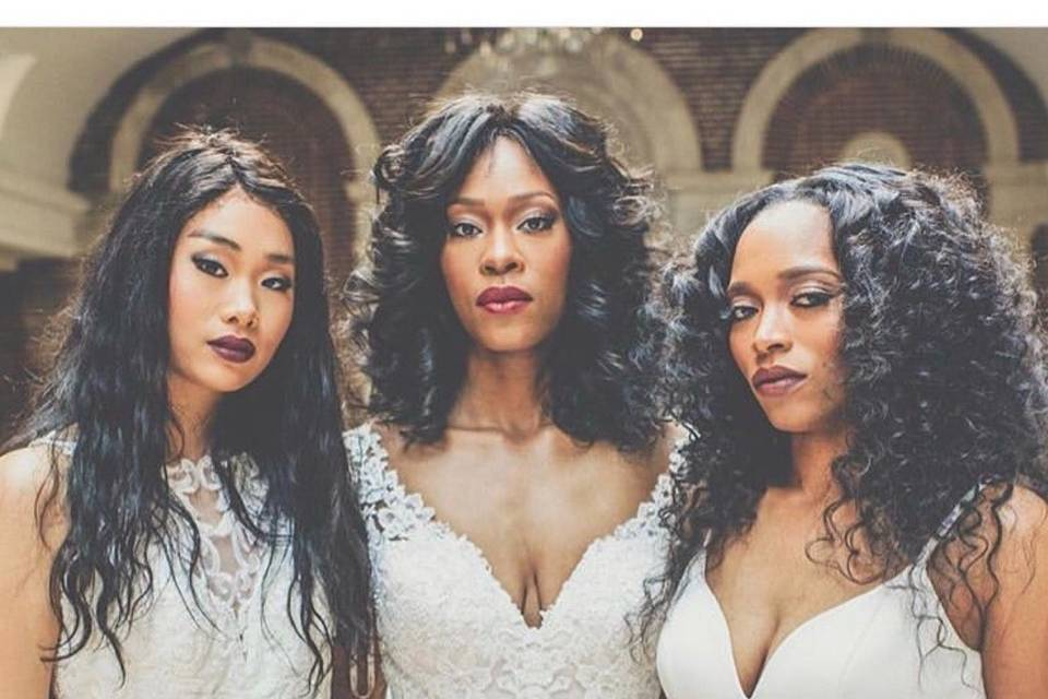 Textured styling on brides